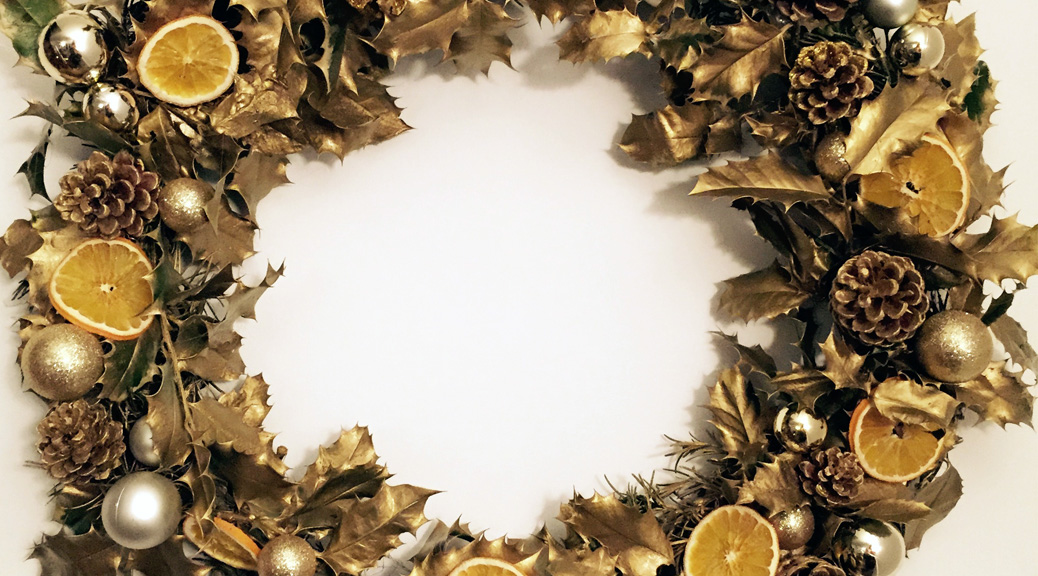 How To Make A Gold Christmas Wreath